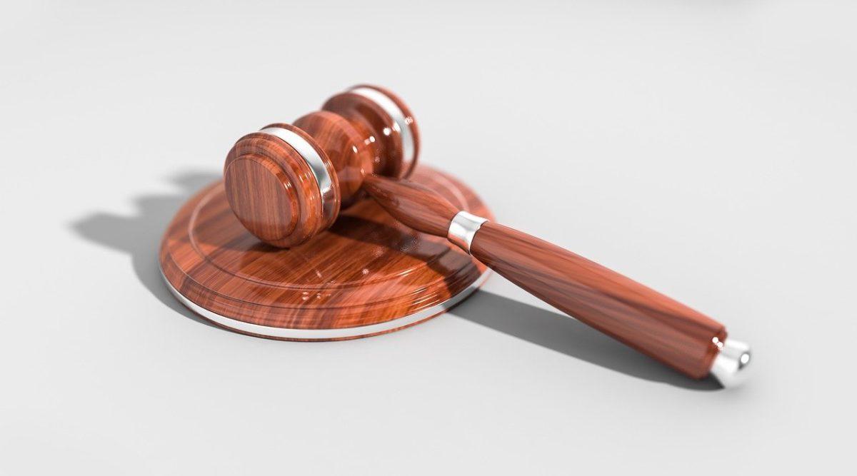 W czym potrafi nam pomóc radca prawny? W których sprawach i w jakich dziedzinach prawa pomoże nam radca prawny?